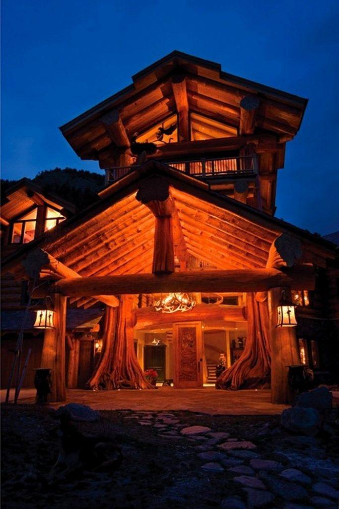 Log Home by Pioneer Log Homes