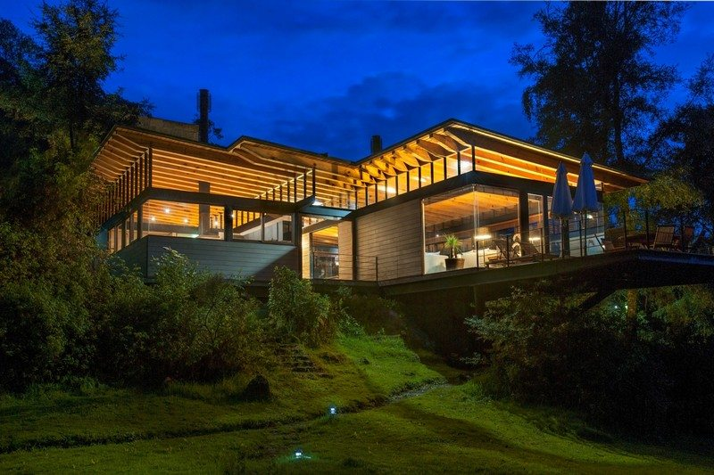 A peaceful forest setting to relax in at the end of the day - Alejandro Sánchez García Arquitectos