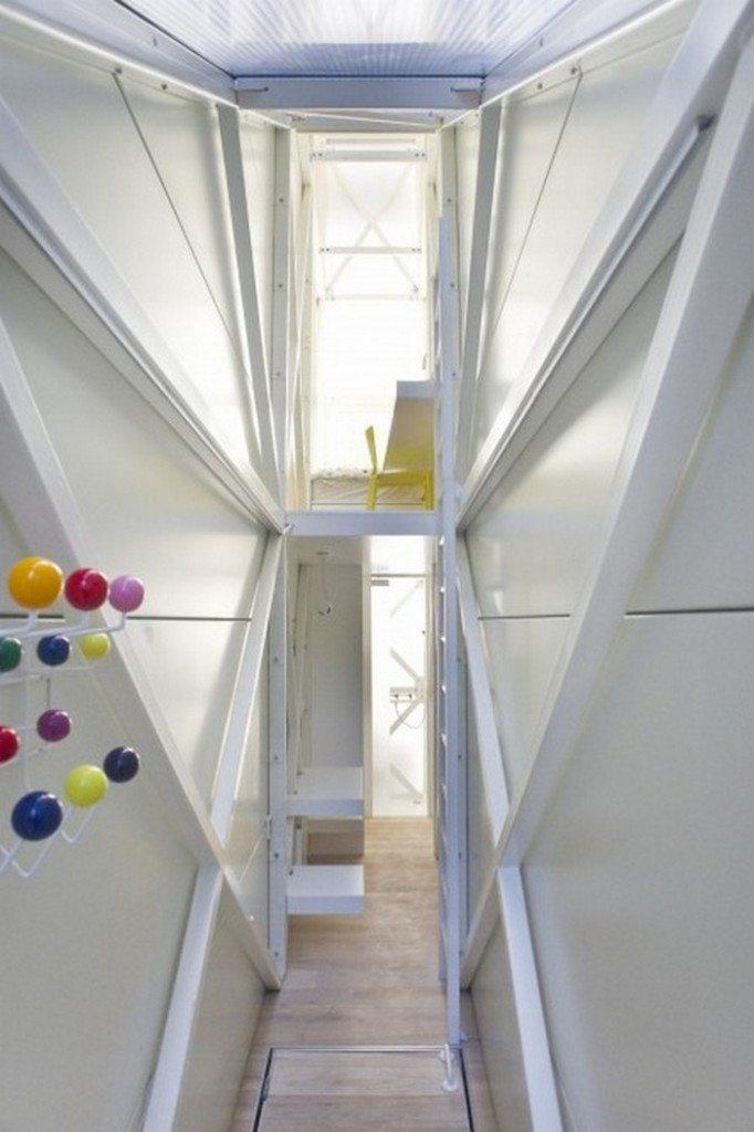 World's Narrowest, Keret House