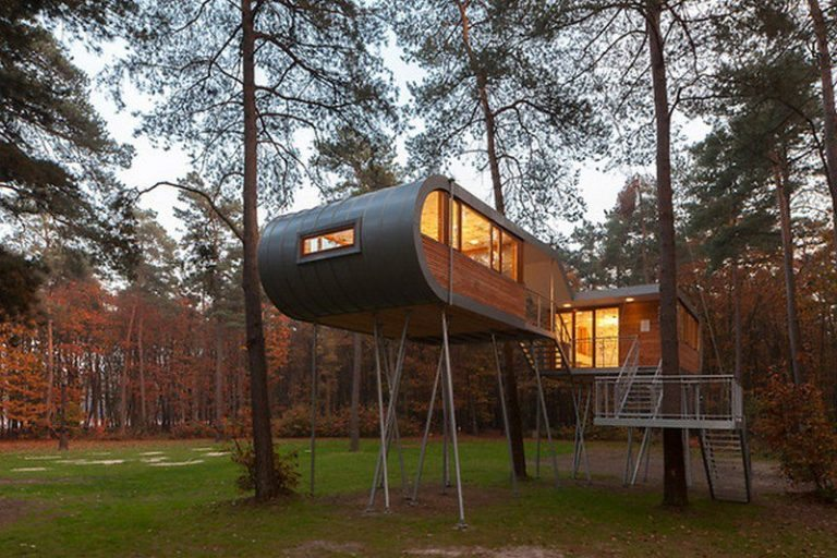 The Baumraum Treehouse