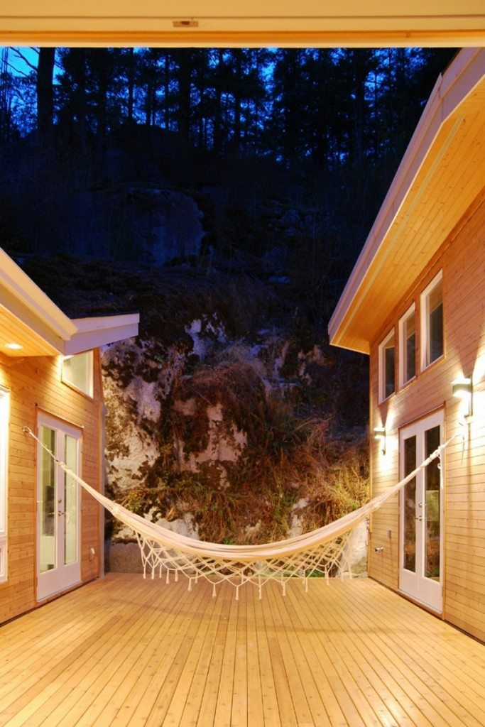 rockhouse_courtyard-front-683x1024