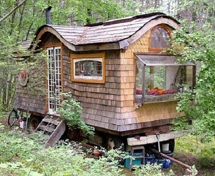 Amazing tiny homes on wheels house hunting for Amazing small houses
