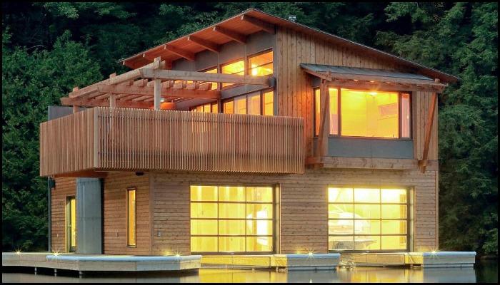 Muskoka Boathouse by Christopher Simmonds Architect