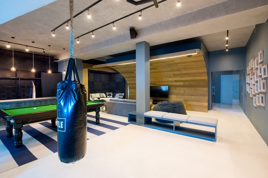 The ultimate man cave featuring a skate