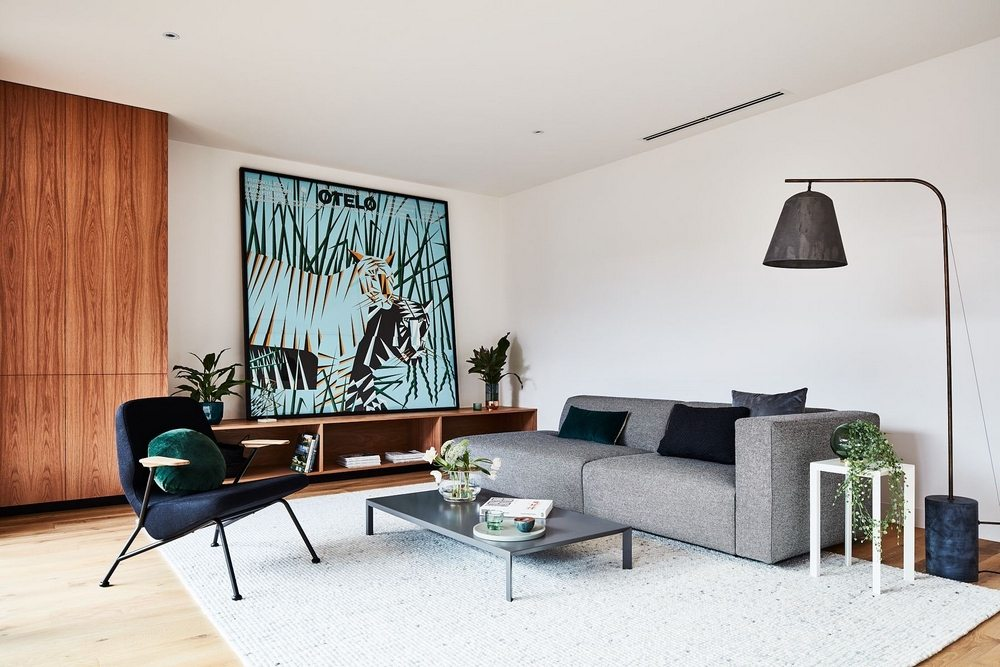 The Courtyard House has modern, warm, and homey interiors.