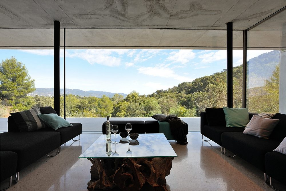 Large glass windows provide unrestricted views of the outdoors.