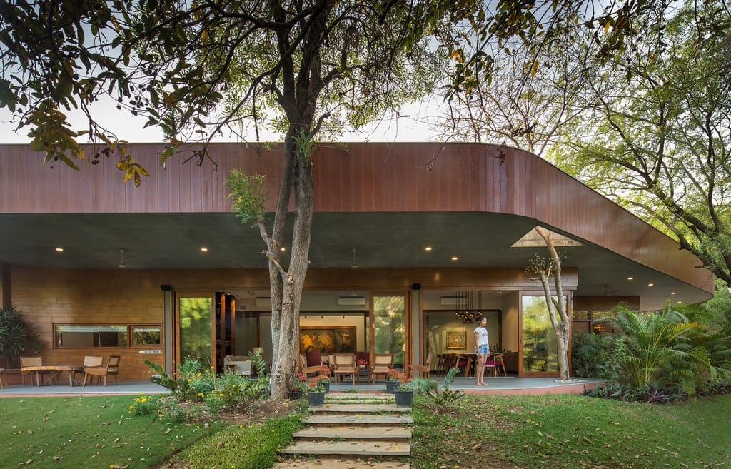 The Verandah House's curvilinear facade is designed to optimize the views.