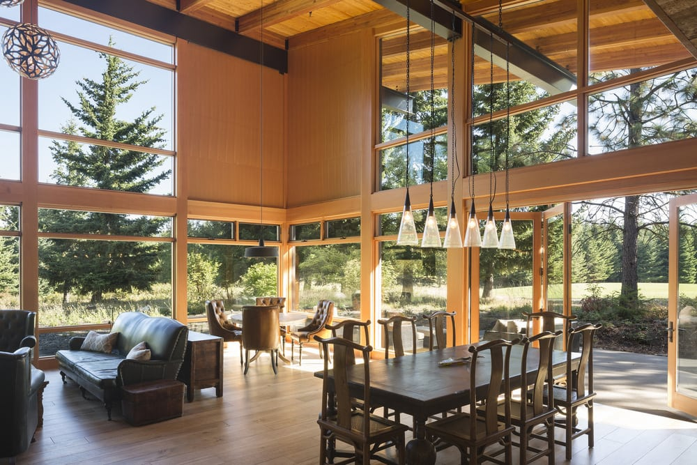 Large windows allow plenty of natural light in, eliminating the need for artificial lighting.