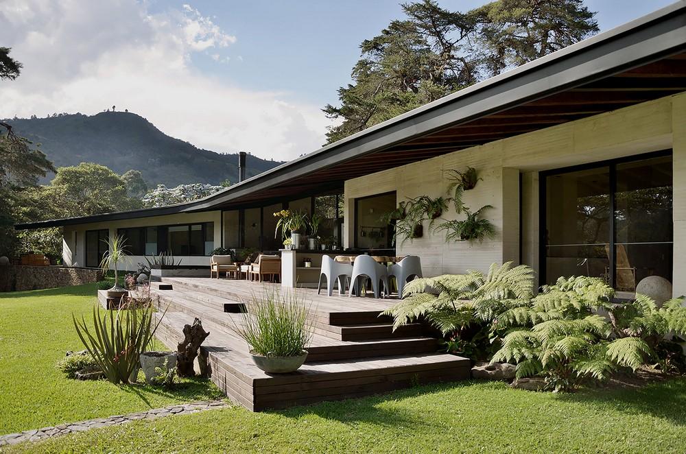 El Carajo House