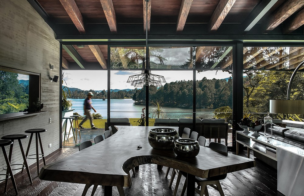 Floor to ceiling windows provide easy access to the surrounding views.