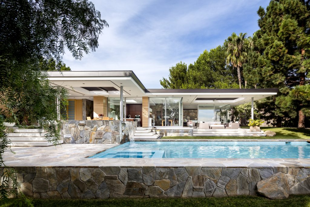 Malibu Crest Studio embodies lavish and ultra-modern living.